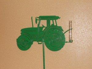 tractor-rain-gauge