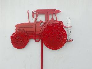 tractor-rain-gauge2